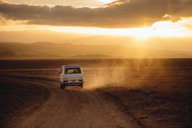 Czym najprawidłowiej jeździć do pracy czy na wakacje własnym autem tak czy nie?